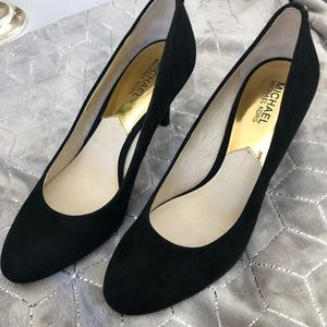 MICHEAL KORS Black Suede Heels Size 10 NWT
